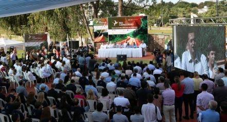Se inauguró en Misiones la red de fibra óptica que conectará al Chaco desde Brasil